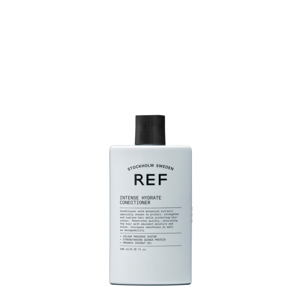 REF-Stockholm-Intense-Hydrate-hárnæring